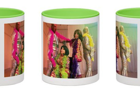 Donna On The Go Mamma Mia Wraparound Mug White with Green Handle 11 oz