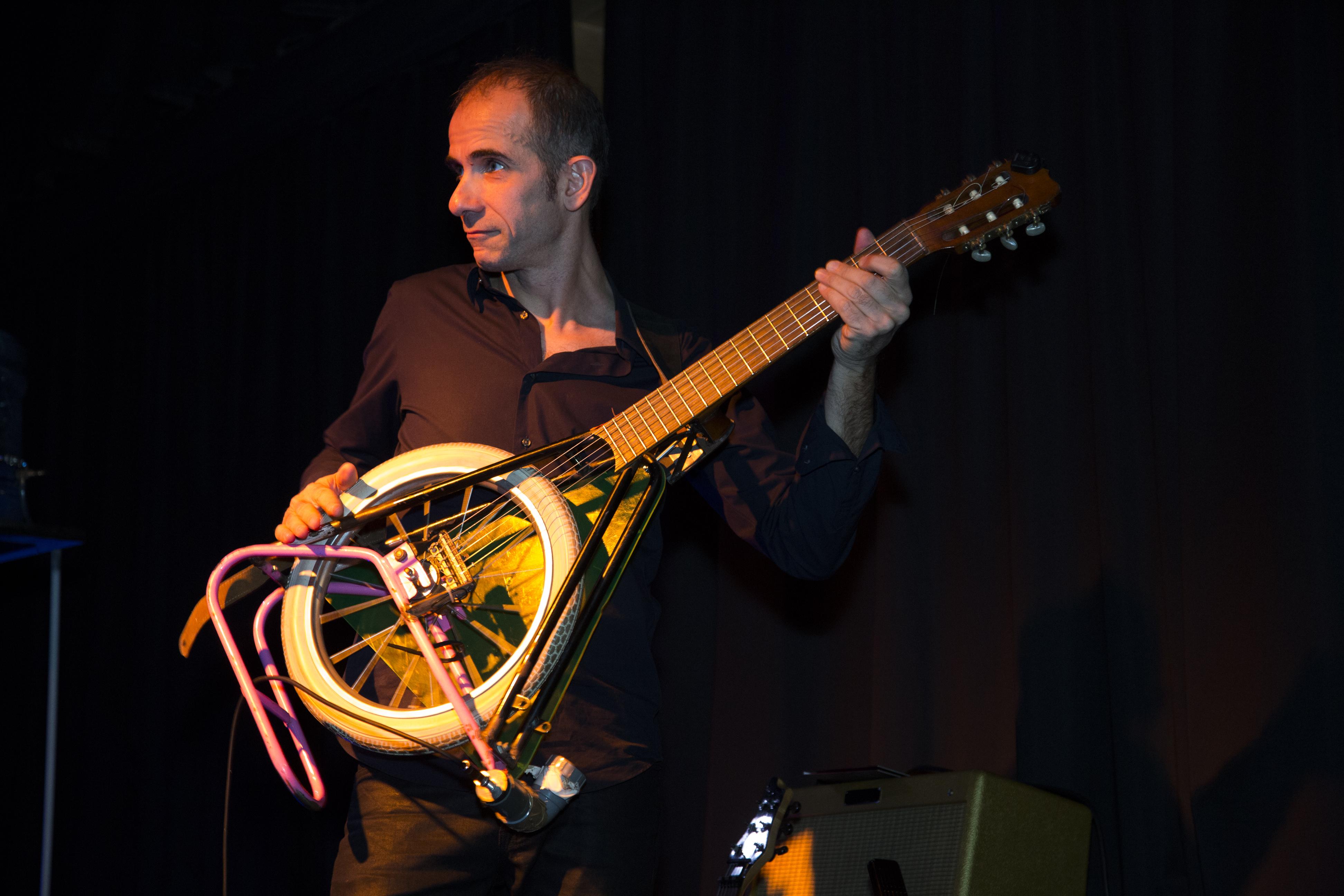urbasonic-guitarevélo-