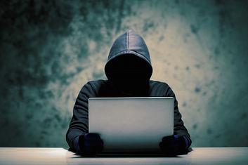 hackers-robo-datos-informaticos_29084-10
