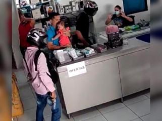 Assaltantes armados invadem loja e praticam roubo no município de Cajazeiras