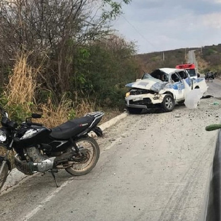 Acidente com caminhonete deixa dois mortos e seis feridos em rodovia, no Sertão da Paraíba