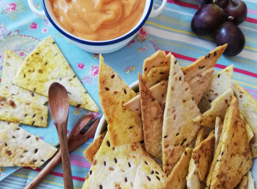 Nachos con salsa de queso vegana