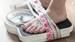 14 SIMPLE, EVIDENCE-BASED HACKS TO FACILITATE WEIGHT LOSS