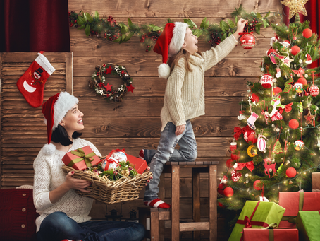 26 NON-GRINCHY TIPS TO MAKE CHRISTMAS MORE ECO-FRIENDLY THIS YEAR