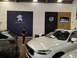 Peugeot - Volvo. Automotora del sur. Pasto