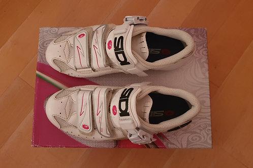 Paires de chaussures Sidi blanche