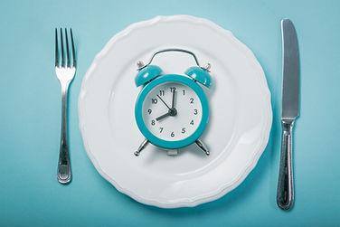 Intermittent fastin concept - empty plat