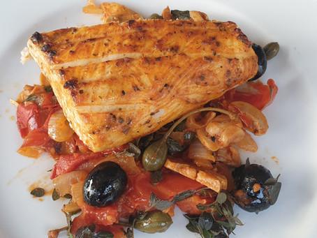 Schwertfischfilet gegrillt mit mediterranem Gemüse