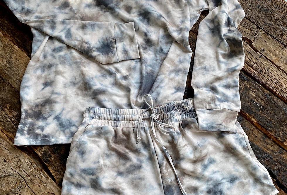 Set Short y Suéter Tie Dye