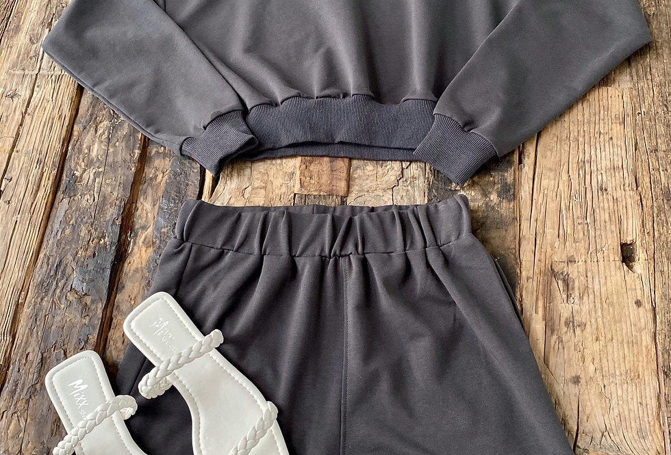 Set Short y Suéter Negro