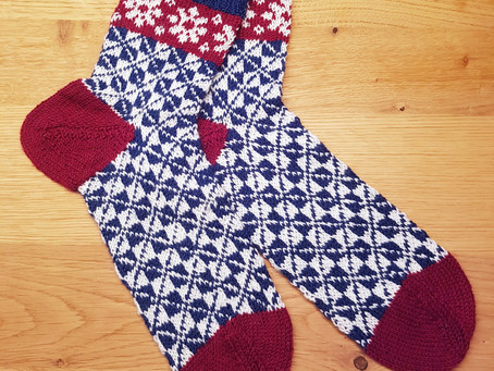 Socken stricken mit nordischem Muster