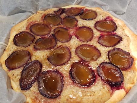 Zwetschgen-Haselnuss-Kuchen
