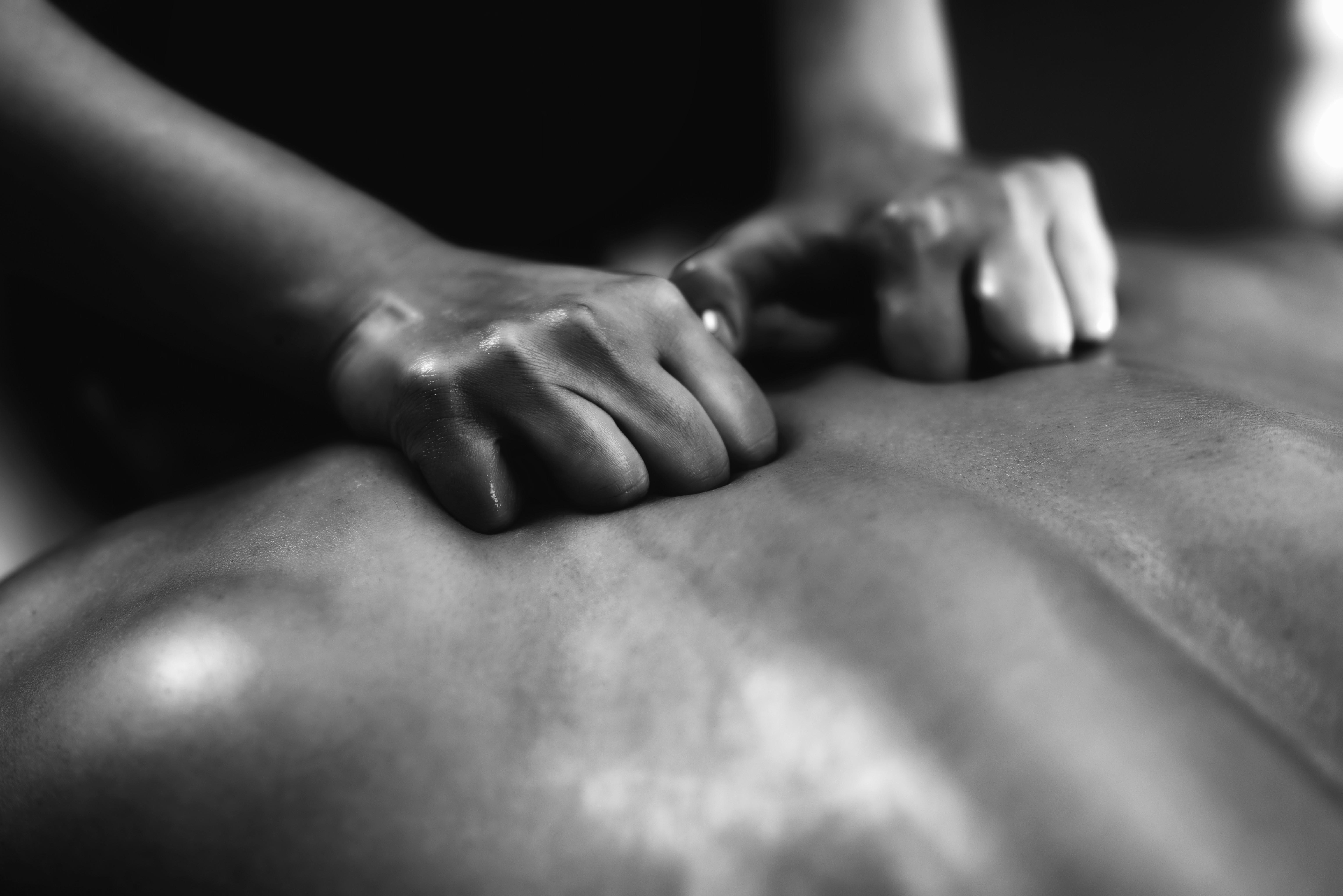 Sports & Deep Tissue Massage