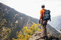 hiker-climbing-mountains_4460x4460
