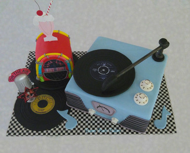 Jukebox and Vintage Record Player 50's D