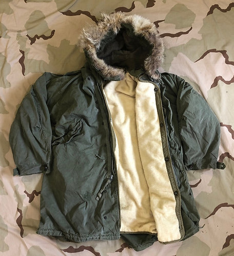 US Military M-1951 Coyote Fur Fishtail Parka w/ Liner