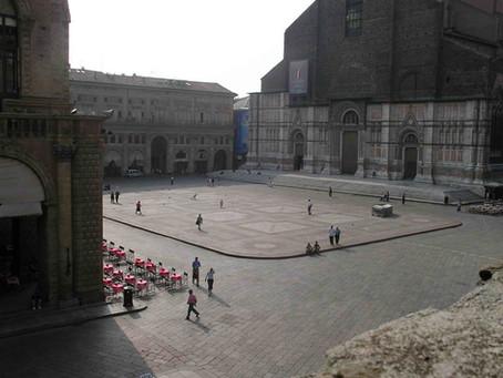 Piazza Maggiore e il Crescentone, il cuore di Bologna