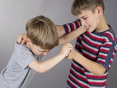 Çocuğum Neden Arkadaşlarına Vuruyor? - Çocuklarda Olumsuz Sosyal Davranışlar