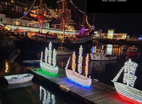 Brixham's Harbour of Lights gets everyone glowing