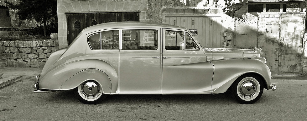 vintage-car-1088693_1920.jpg