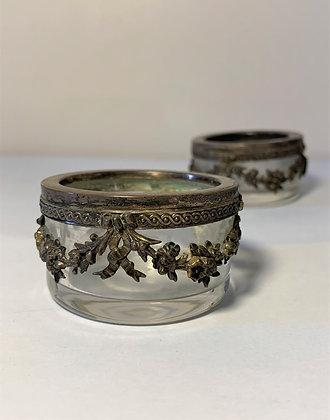 Paire de salerons, verre et métal argenté
