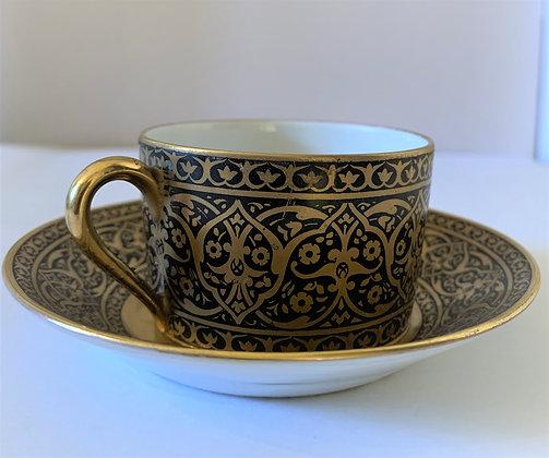 Tasse en porcelaine de Limoges