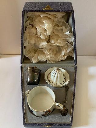 Coffret cadeau de naissance années 1920-1930