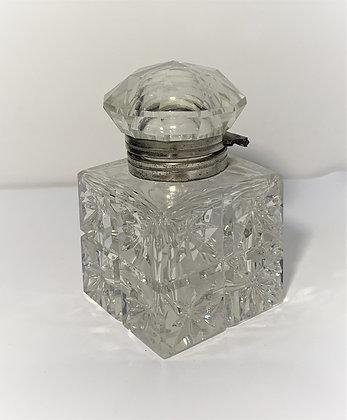 Encrier en verre taillé et métal argenté