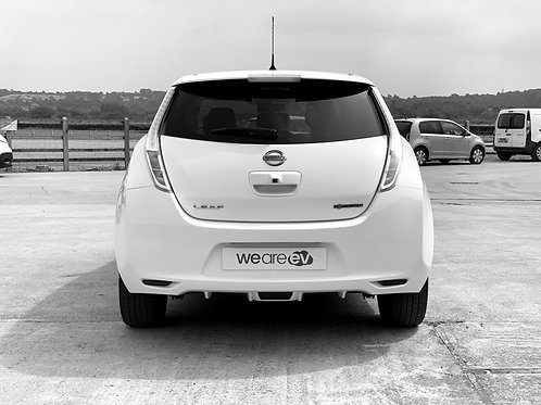 2017 (17) Nissan Leaf Tekna 30kWh 3.3kW Charger 18k Miles