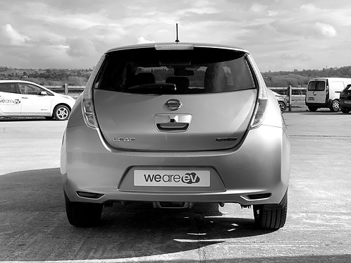2015 (15) Nissan LEAF Tekna 24kWh 6.6kW Charger 28k Miles