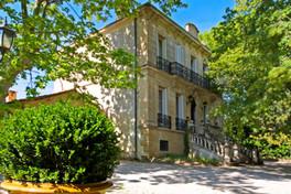 facade chambre d'hôtes chateau