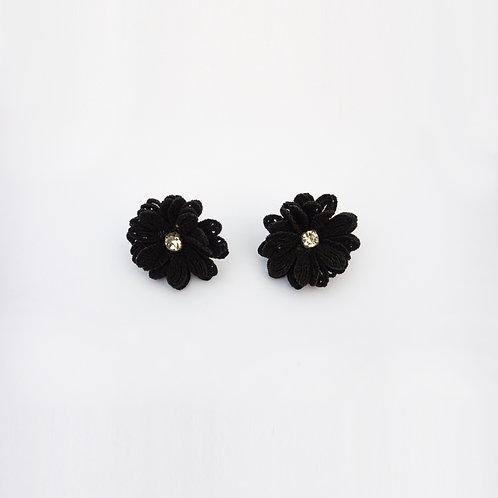 Aretes Flores Negras
