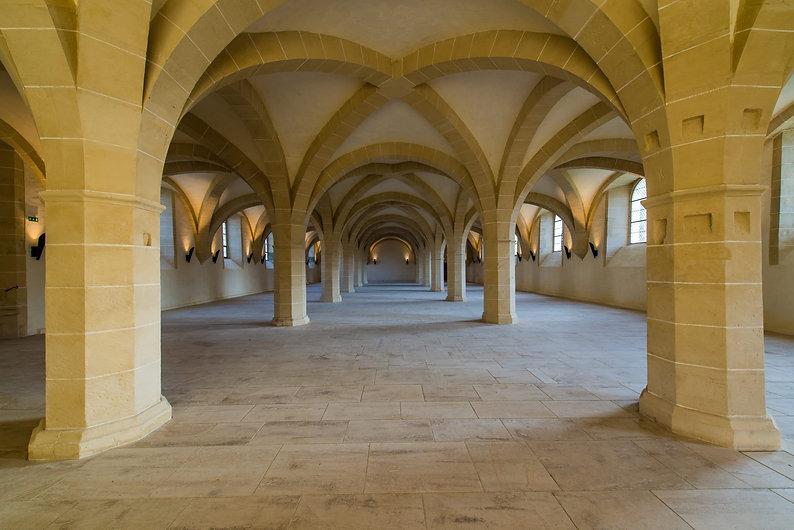 6_refectoire-des-convers-abbaye-Clairvau