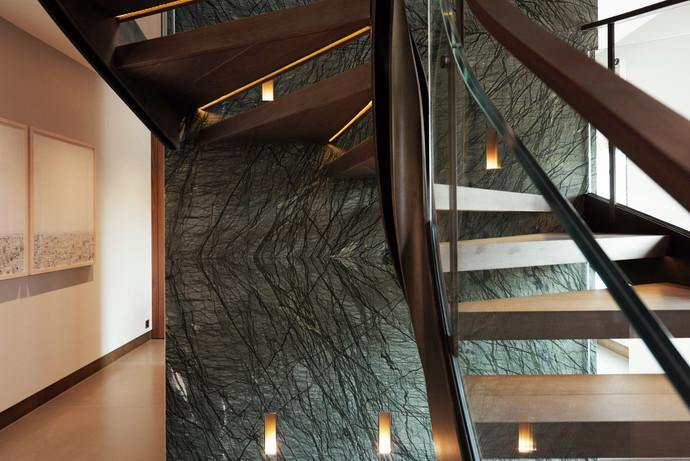 Escalier traité laiton