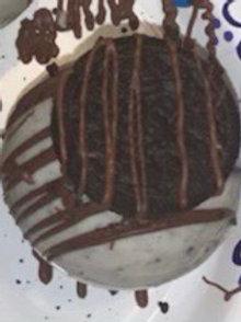 Hot chocolate bomb- cookies & cream