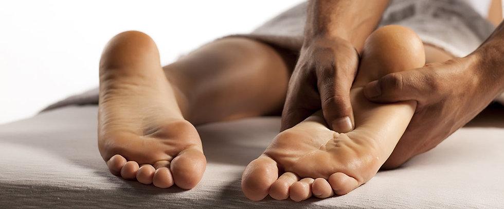Réflexologie-plantaire-soin-relaxation-massage-bien-être