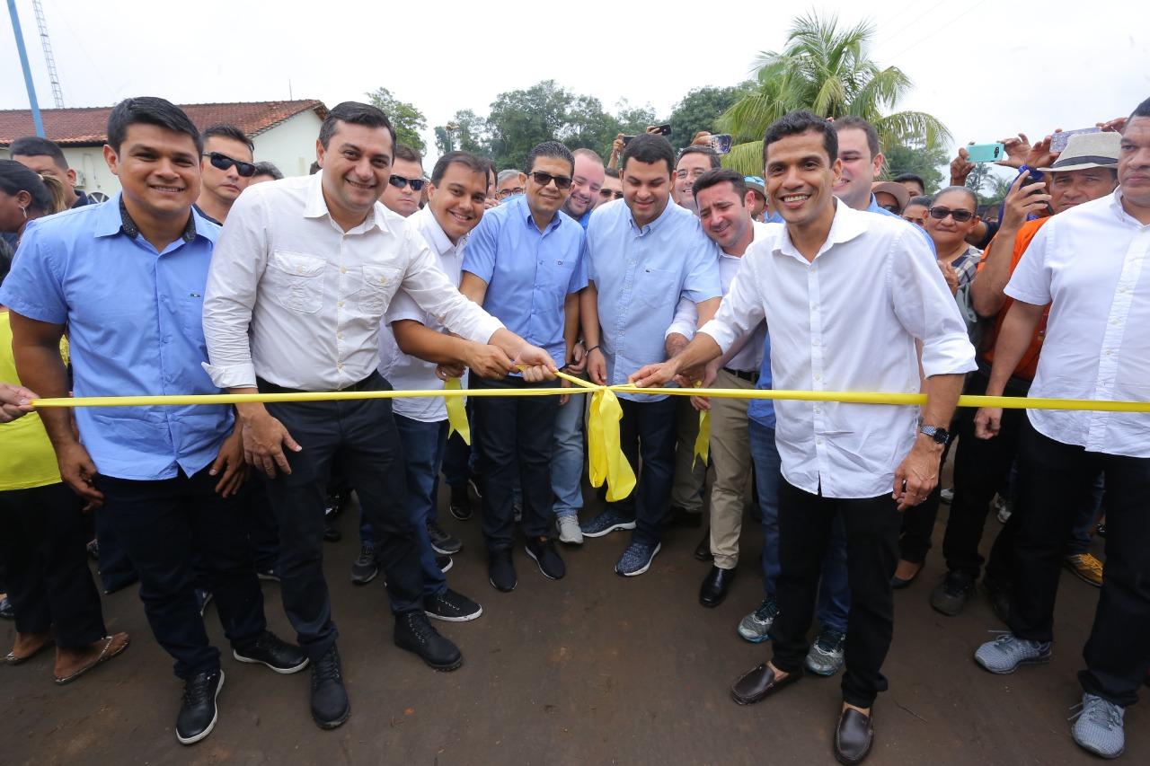 Resultado de imagem para Governador Wilson Lima anuncia investimento de quase R$ 800 milhões com retomada de obras na capital e no interior