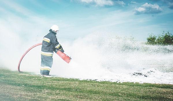 firefighter-484527-02.jpg