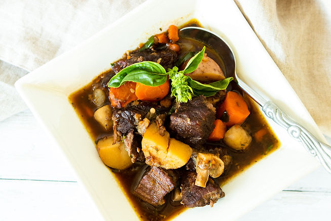 WINTER BEEF STEW WITH CARROTS & MUSHROOM