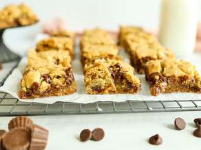 PB Cup Gooey Cookie Bars