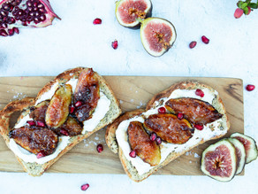 Caramelized Fig & Ricotta Toasts
