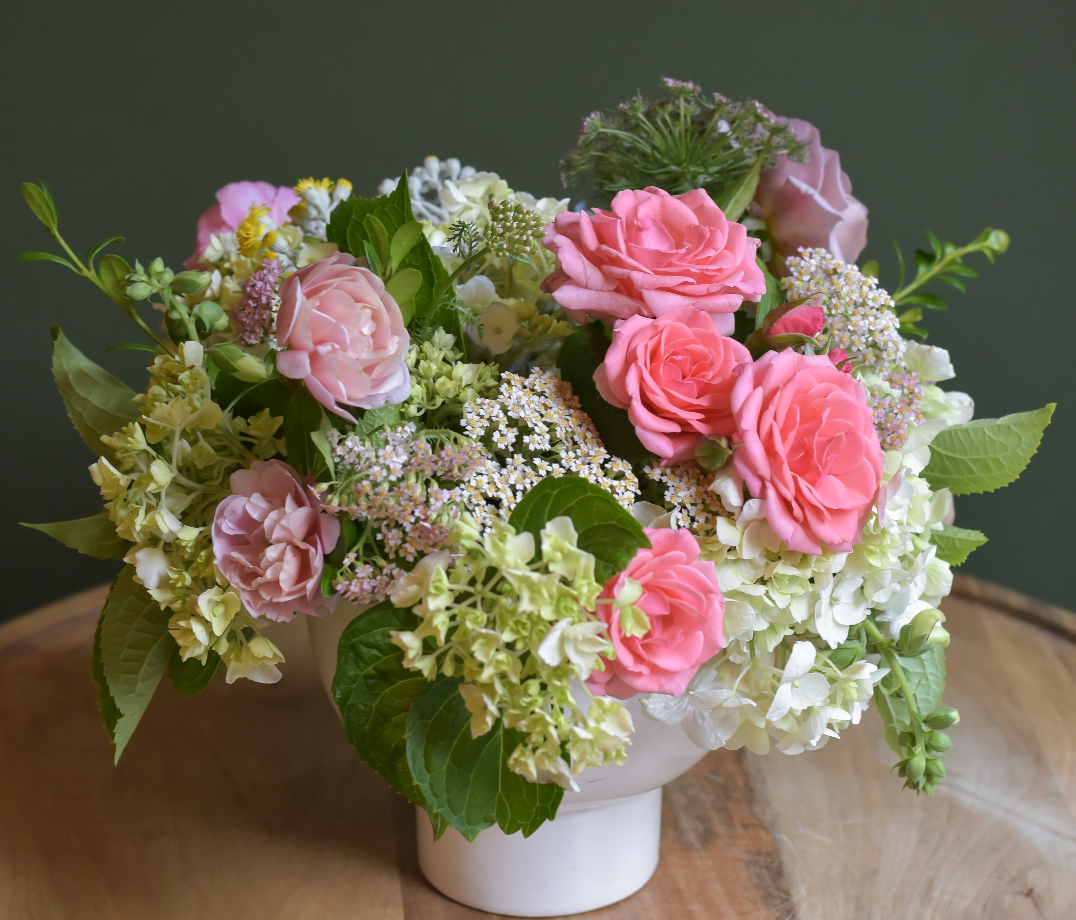 Pink roses and hydrangea wedding flowers