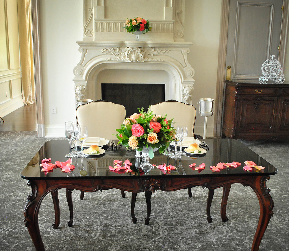 Peach, blush, coral wedding sweetheart table | Heaven Scent Floral Design | NJ Wedding Florist