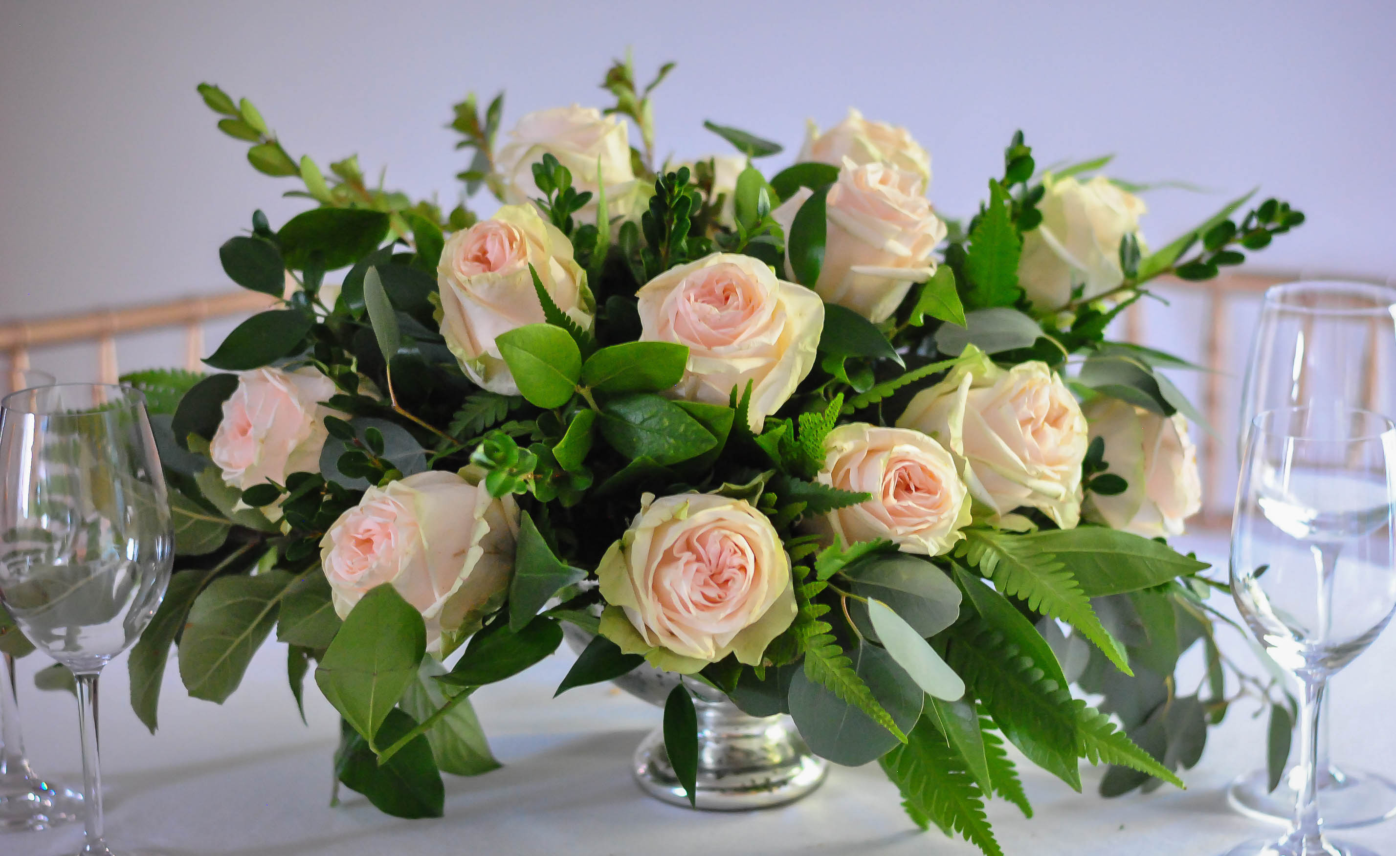 blush rose table centerpiece