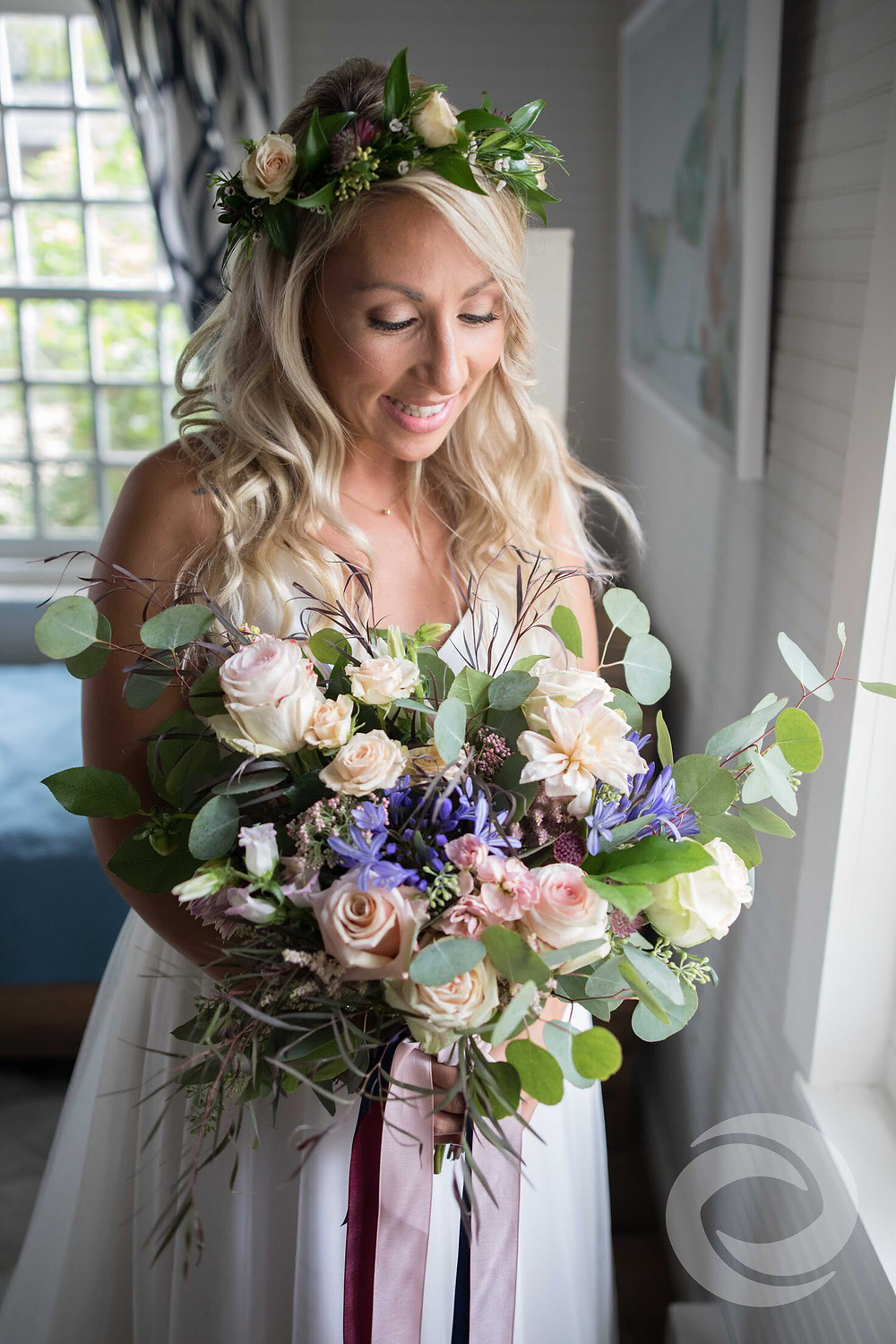 Bride with Blush bridal bouquet and flower crown