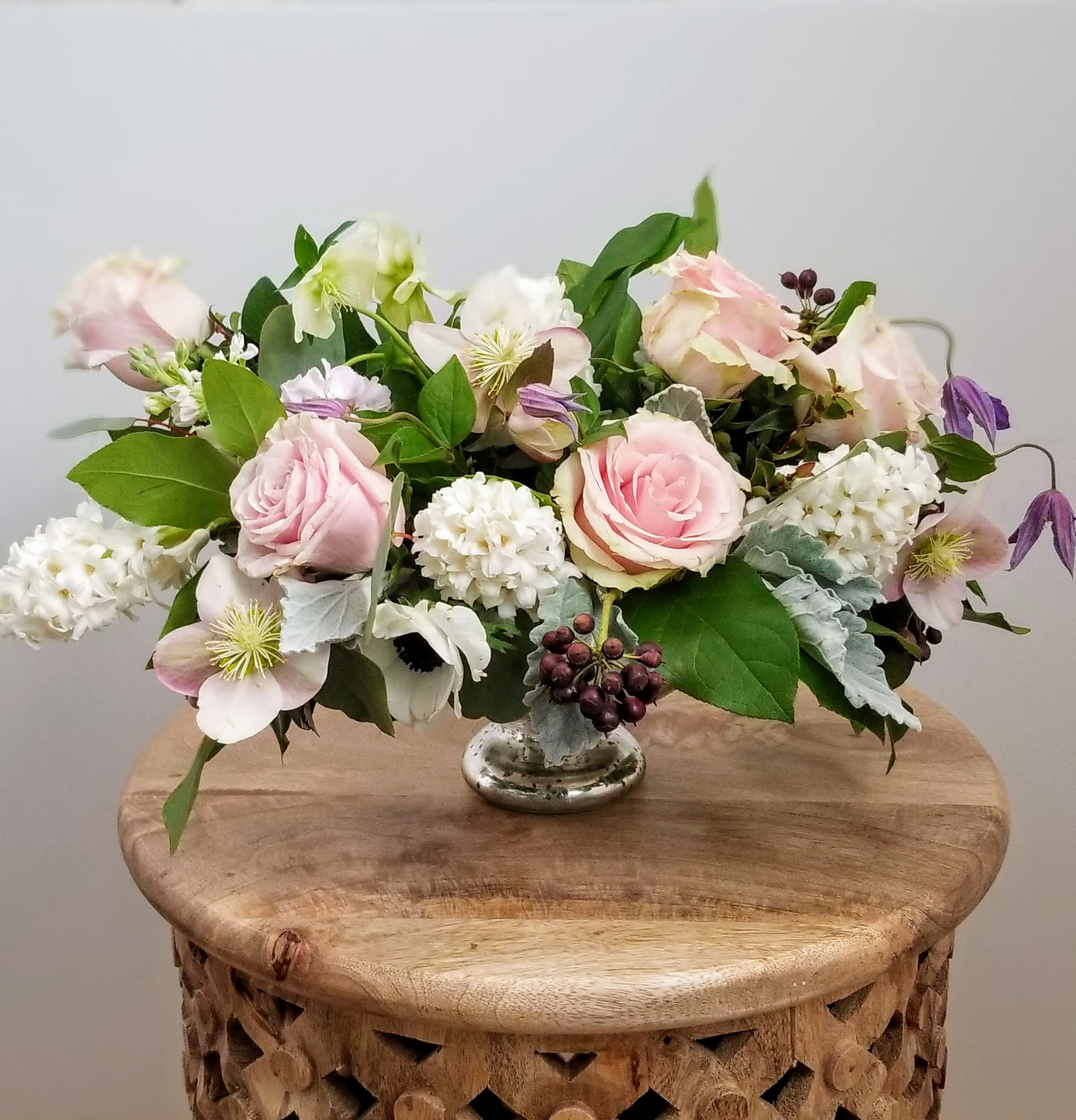 Blush wedding table centerpiece