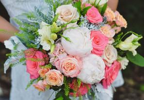 Peach and coral bridal bouquet