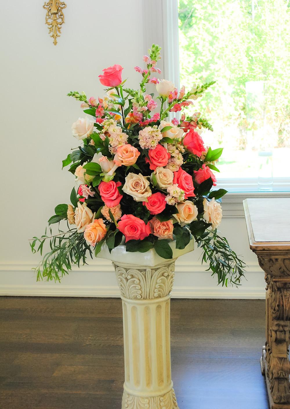 Peach, blush and coral roses altar wedding flowers | Heaven Scent Floral Design | NJ Wedding Florist