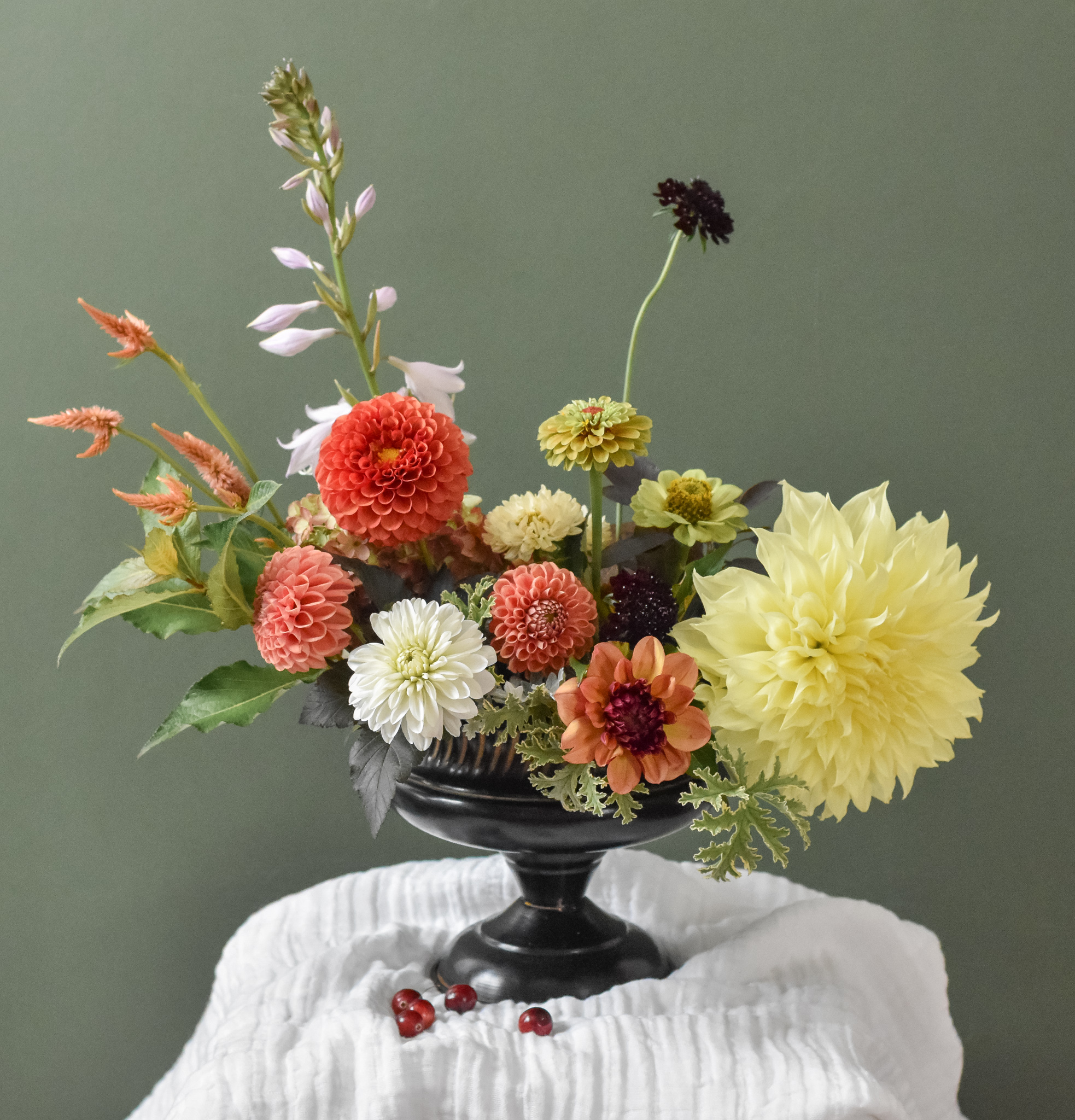 dahlia floral table centerpiece