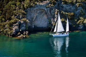 zone-escapes-fitness-retreat-yacht-taupo-sailing
